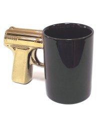 """Кружка """"Пистолет"""", черная, с позолоченной ручкой"""